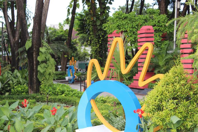 RedDoorz near DBL Arena, Surabaya