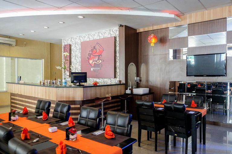 RedDoorz Plus near Living World Pekanbaru (RedDoorz - Hotel Benteng Pekanbaru), Pekanbaru