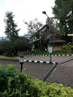 Gunung Geulis Cottages managed by Royal Tulip, Bogor
