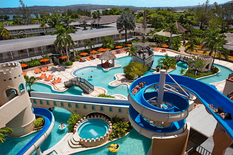 Sunscape Cove Resort & Spa,
