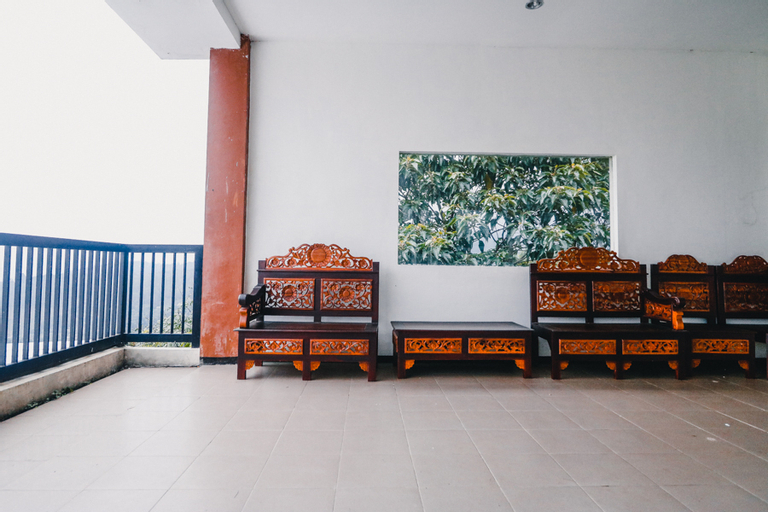 RedDoorz near Taman Rekreasi Selecta, Malang