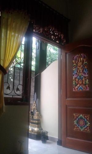 Kost dan transit, Lombok