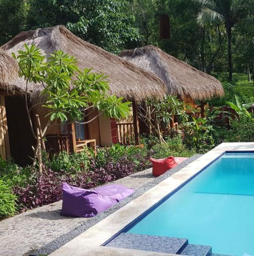Wooden Paradise Bungalows Pool, Lombok
