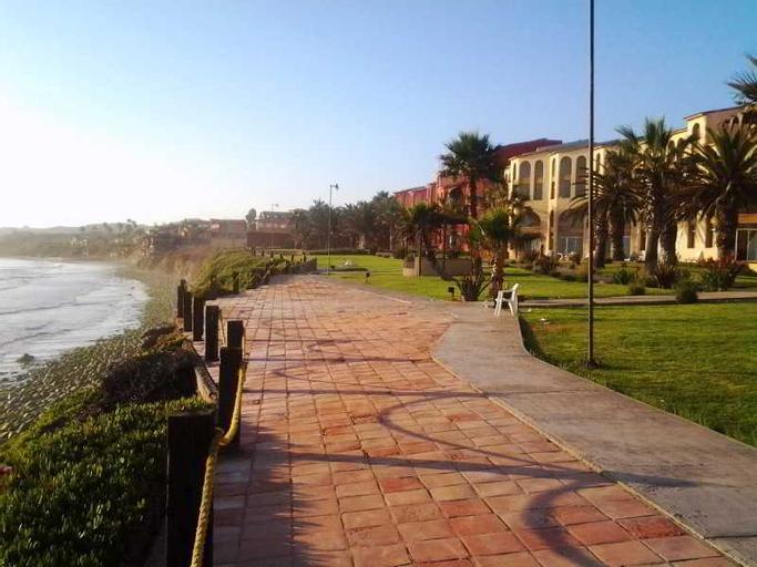 Puerto Nuevo Baja Hotel & Villas, Tijuana