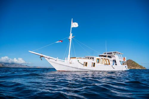 Sail Flores Honeymoon, Manggarai Barat