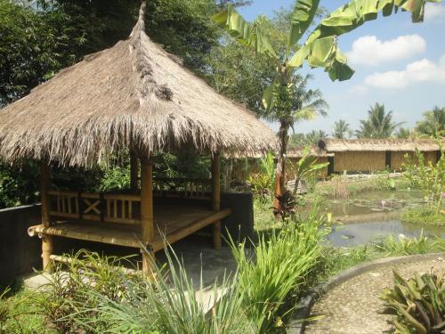 Pondok Bulan, Lombok Timur