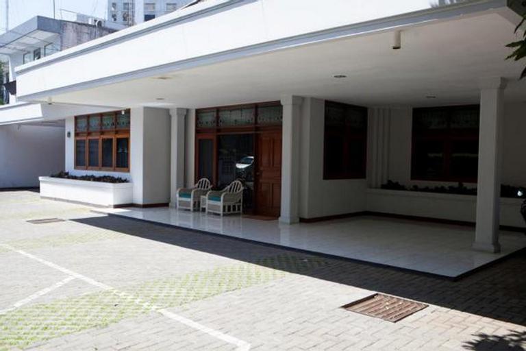 RedDoorz near Gedung Sate, Bandung