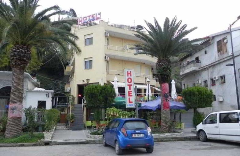 Alphine Hotel, Vlorës