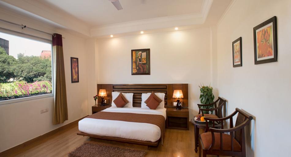 Anila Hotel, West