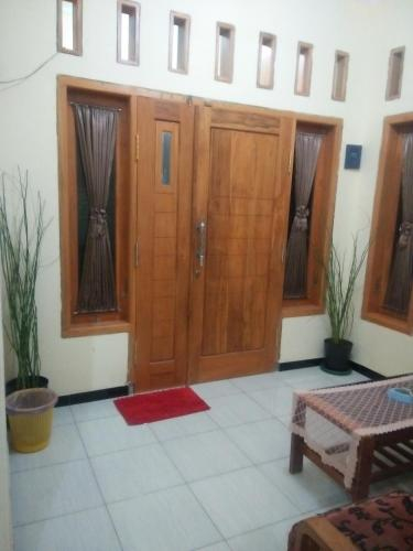 Almira homestay, Malang