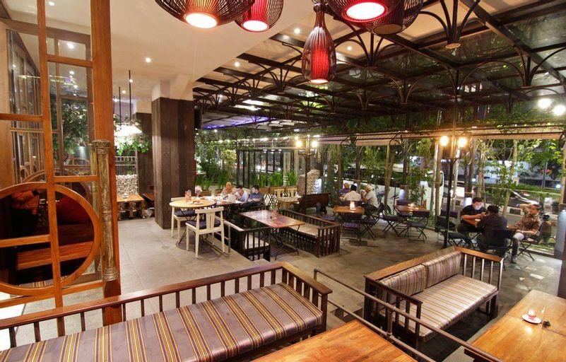 THE 1O1 Bandung Dago, Bandung