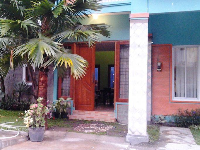 D1 Villa & Guest House, Solo