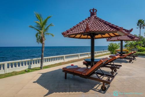 Villa Namaste - Beachfront at Lovina 10P, Pool, BBQ, Buleleng
