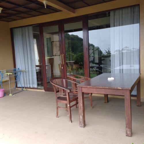 Villa lake view unit B12, Tabanan