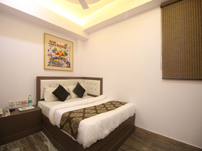 OYO 393 Hotel RK Grand Inn, West