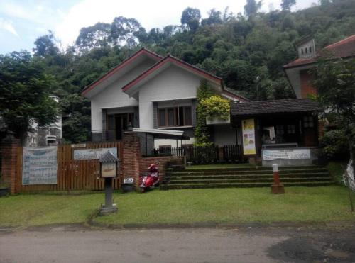 Villa Triniti I-35, Bandung