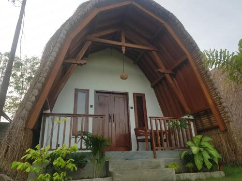 Tropical Sunday Bungalow - Surf And Stay, Lombok
