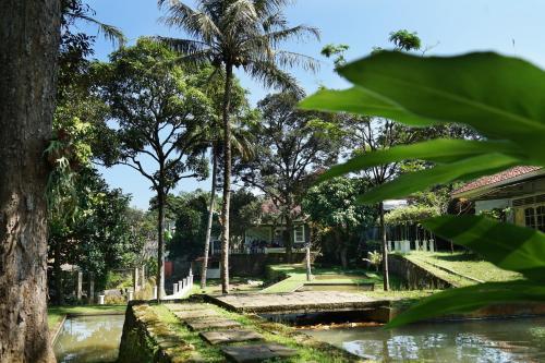 Villa Sanlias, Bogor