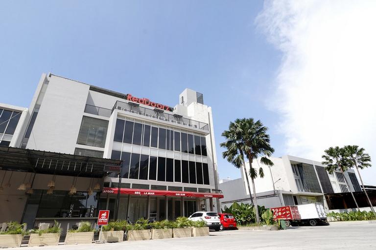 RedDoorz Plus @ Kapuk Business Park, North Jakarta