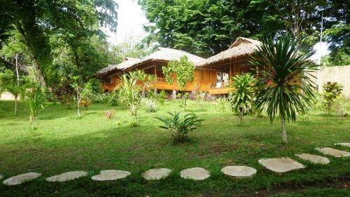 Raja Laut 5* Padi Dive Resort Bunaken, Minahasa Utara