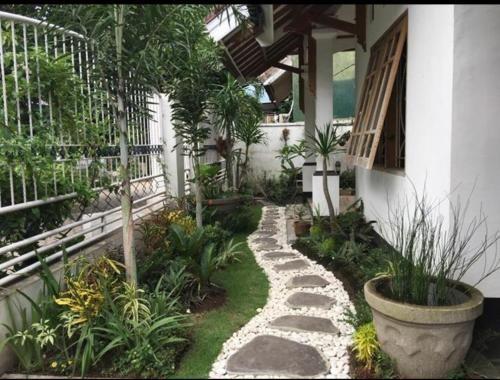 Achand Home, Lombok