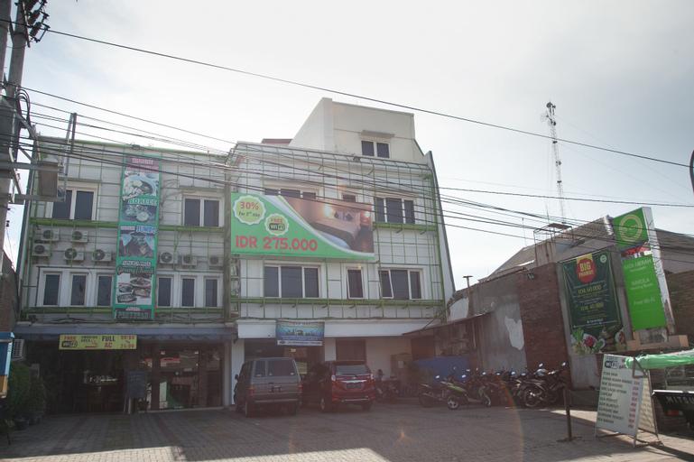 RedDoorz near Kawasan Industri SIER 2, Surabaya