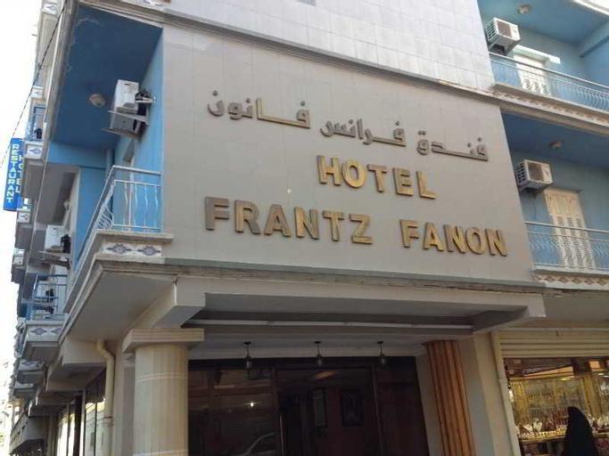 Frantz Fanon, Setif