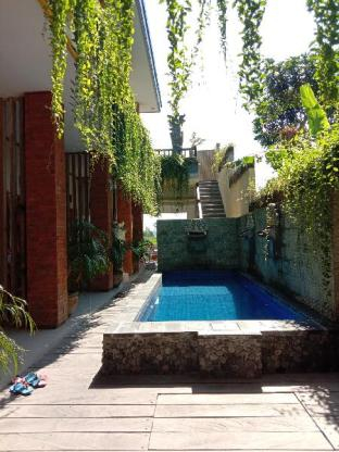Dedyluminous ( Standard Room with Pool Access ), Tabanan