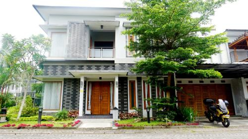 Mansion Living Homestay Jogja, Sleman