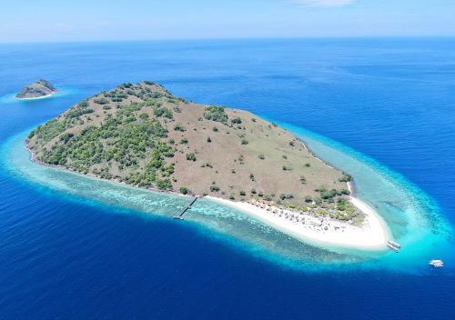 Le Pirate Island, Manggarai Barat