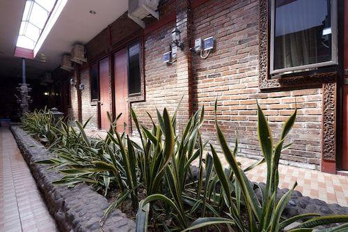 RedDoorz near GOR Manunggal Jati Majapahit, Semarang