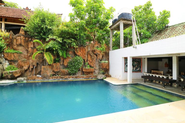 Pulestis Beach Hotel, Buleleng