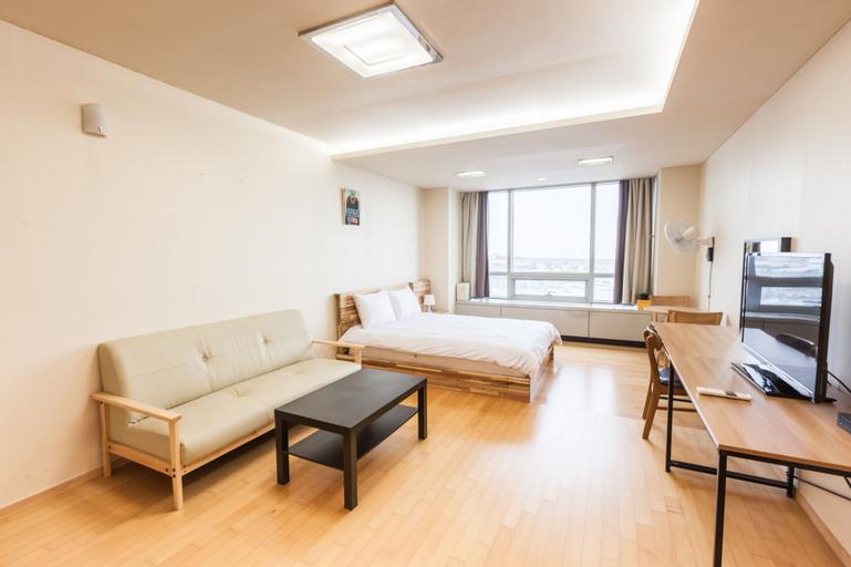 Egarak Residence, Jung