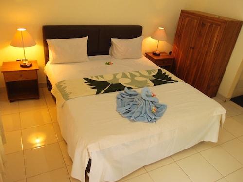 Mira Arsita Hotel Kuta Lombok, Lombok Tengah