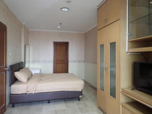 Peggy Apartemen Hayam Wuruk, West Jakarta