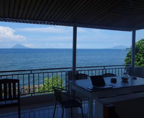 Villa Casawangko, Manado
