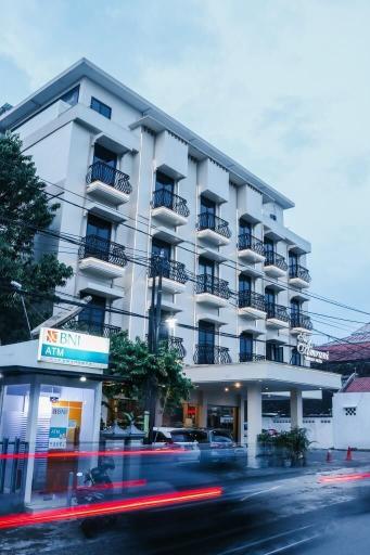 The Amrani Syariah Hotel, Solo
