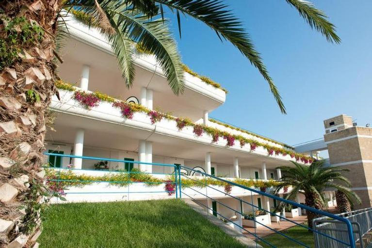 Hotel Villaggio Cala Corvino, Bari