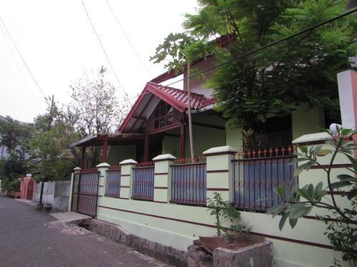Green East Homestay, East Jakarta