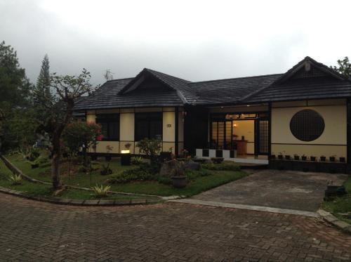 Designer Villa Osaka, Cianjur