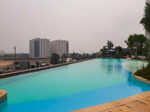 Luxurious 2BR at Skandinavia Apartment By Travelio, Tangerang