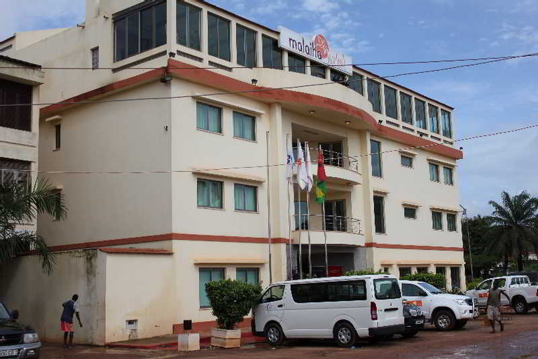 Malaika, Bissau