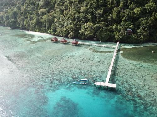 Oracave Eco-lodge, Maluku Tengah