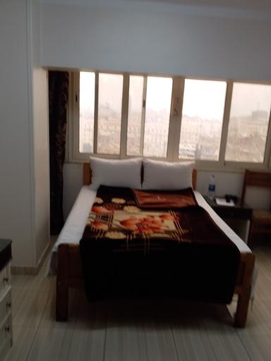 Isis Hotel 2, Qasr an-Nil