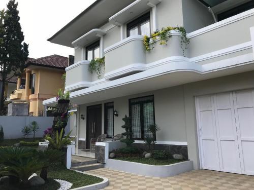 Kensington Villa, Bandung