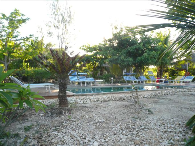 Pakachi Beach Hotel and Resort, Kusini