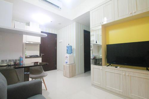 Puri Mansion Apartment by TH, Jakarta Barat