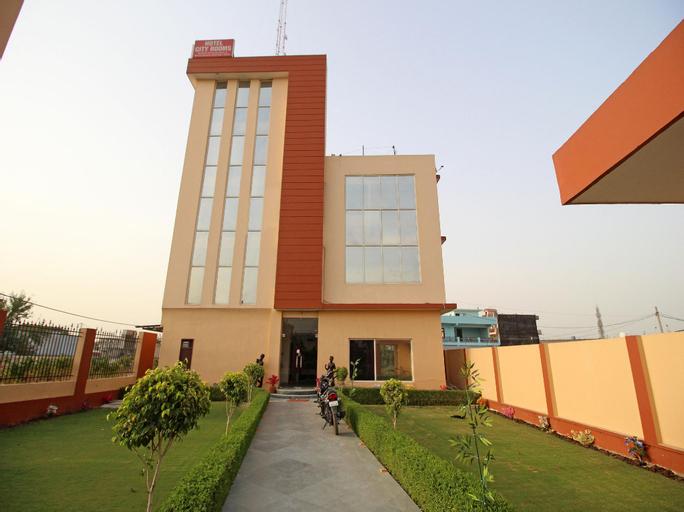 OYO 6343 Hotel City Rooms Greater Noida, Gautam Buddha Nagar