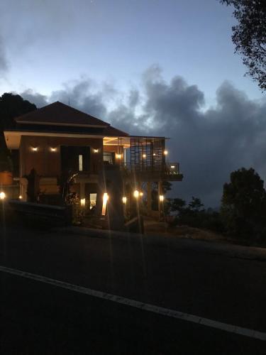 D'Rus Hill munduk, Buleleng