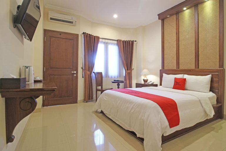 RedDoorz Premium near Solo Grand Mall, Solo